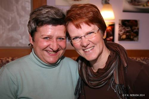 Slow dating gumpoldskirchen: Sex treffe in Lindau - carolinavolksfolks.com